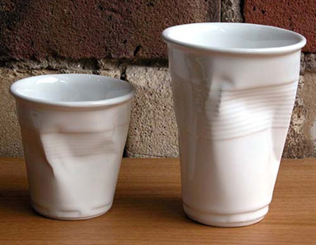 Tazas de cerámica con formas usadas