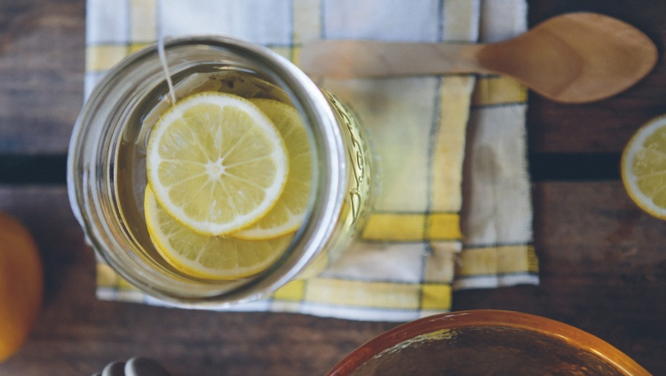 Vaso personalizado con zumo de limón