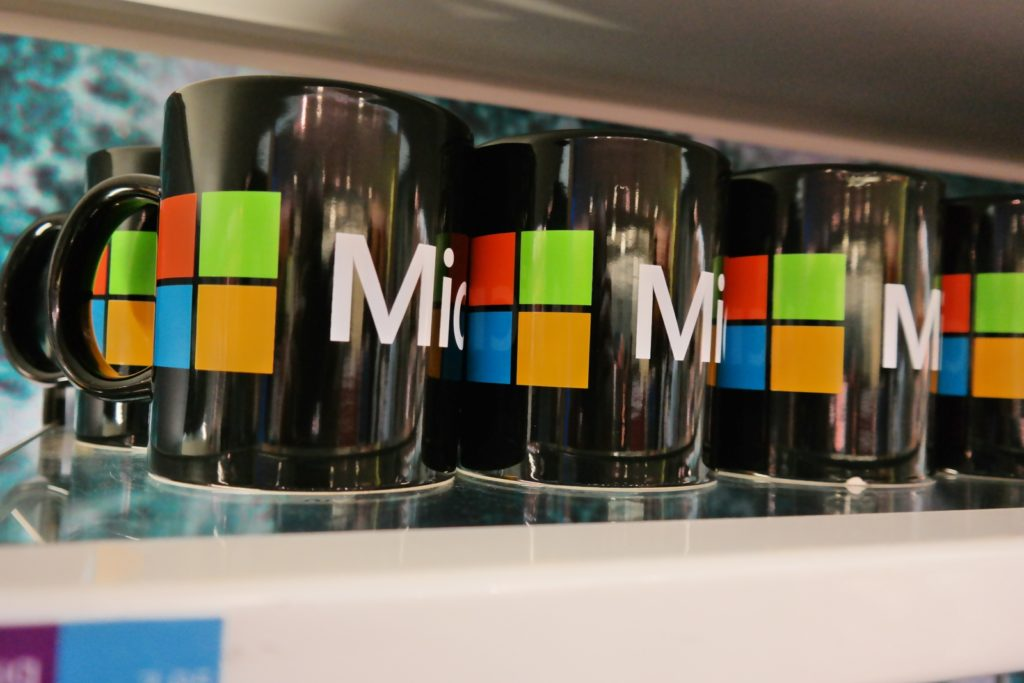 Tazas negras de personalizadas de Microsoft