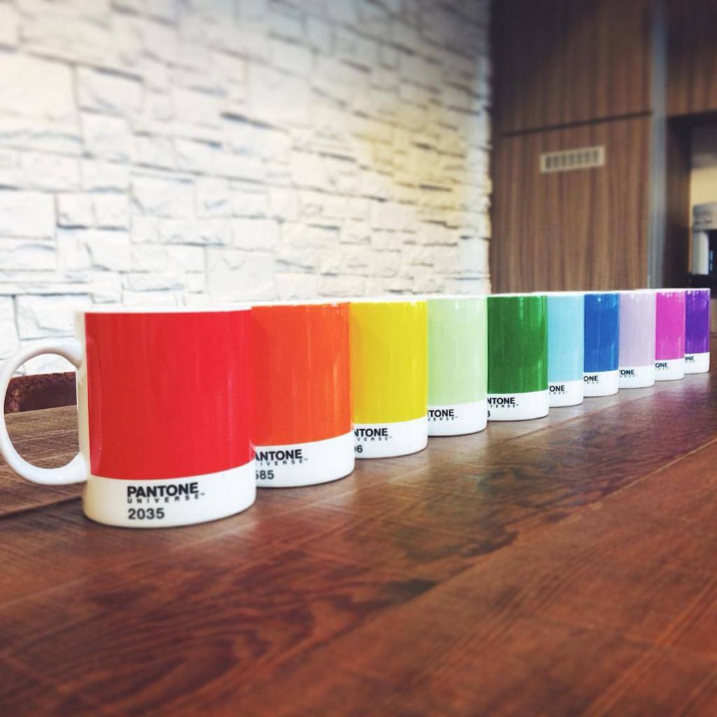 Tazas personalizadas Pantone para empresas