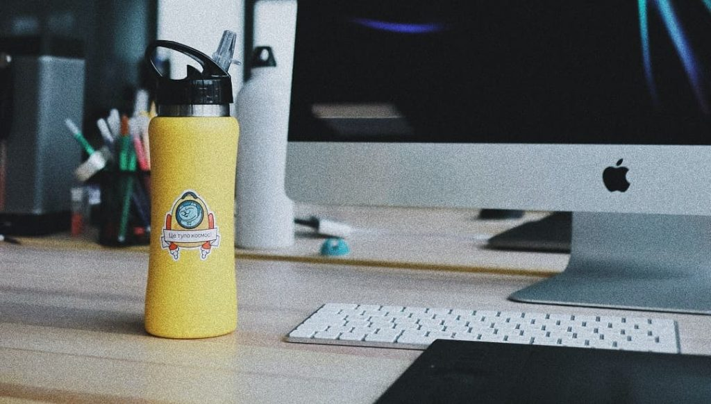 botella personalizada con logo
